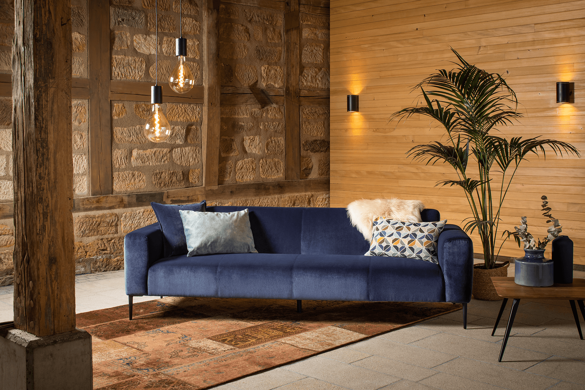 15360 nobility Couch
